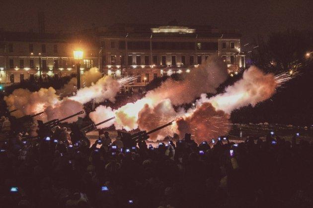 Полное освобождение Ленинграда отблокады отметят салютом из30 залпов