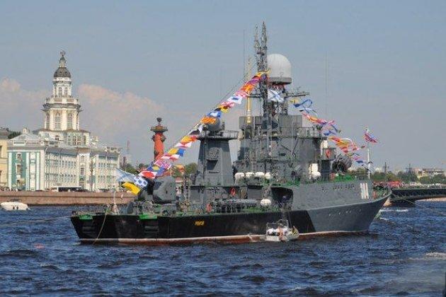 Смольный обнародовал программу празднования Дня ВМФ вПетербурге