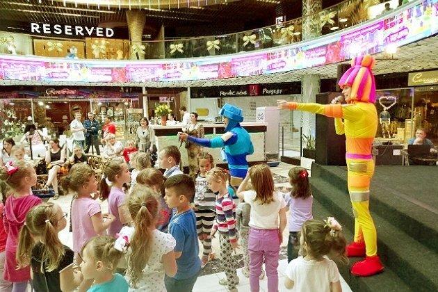 Праздничные конкурсы в торговых центрах заинтриговал