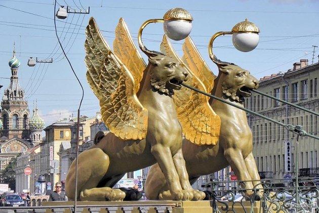 Угрифонов наБанковском мосту сняли крылья