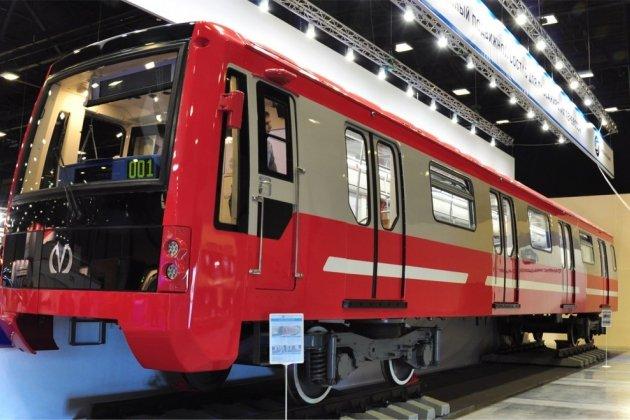 ВПетербургском метрополитене запустили новый поезд