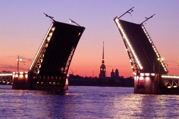 ВПетербурге мосты будут разводить под классическую музыку