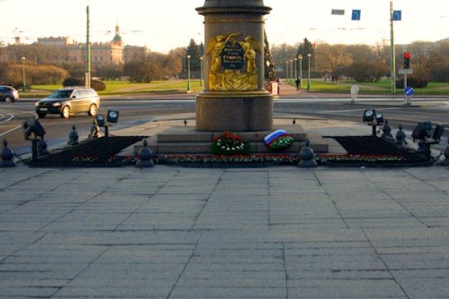 Пешеходные экскурсии по СанктПетербургу  туроператор
