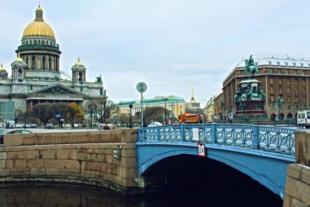 Цветные мосты петербурга