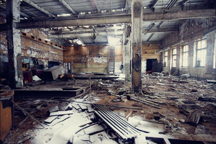 Image result for разрушенные заводы картинки